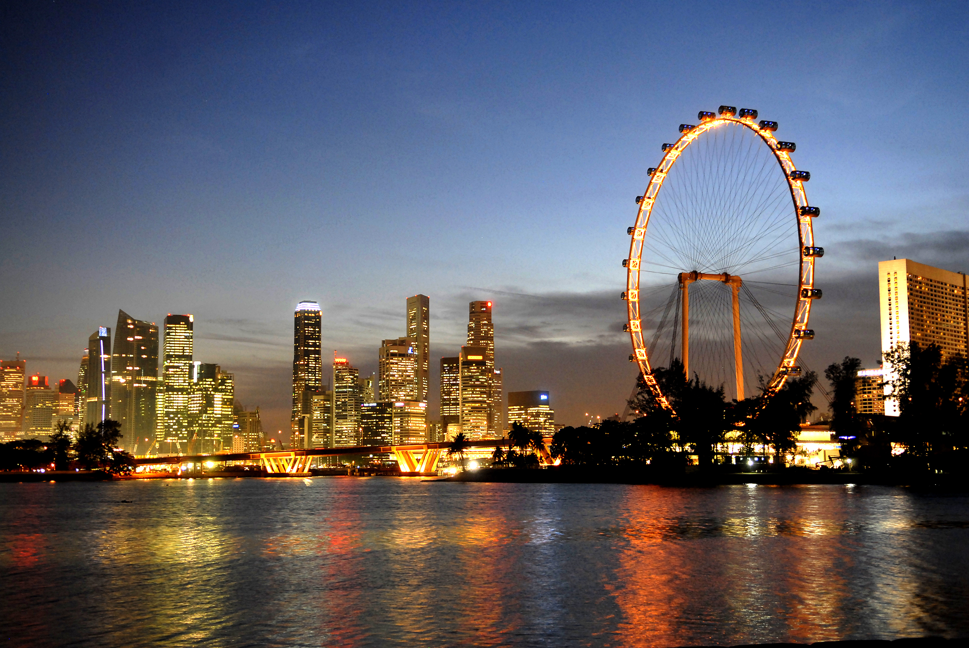 singapore flyer The singapore flyer is a giant ferris wheel in singapore described by its operators as an observation wheel, it opened in 2008, construction having taken about 2.